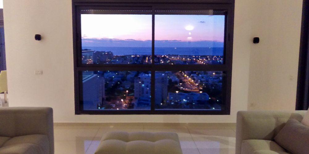 נוף מהסלון בדירה