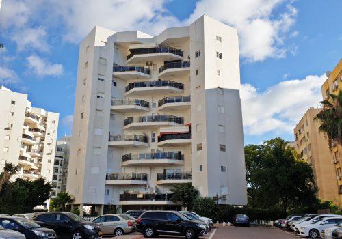 """למכירה דירת 4.5 חדרים ברובע י""""א בפרויקט הבריכה באשדוד"""